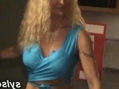 Lesbiennes exhib, fist, strapon et bukkake entre copines