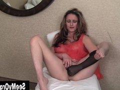 MILF Tirrza Masturbating Her A Nylon