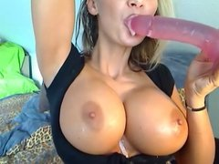 blonde give a nice blow job
