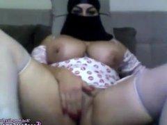 Amateur Chubby BBW Arab Egypt Masturbates Her Pussy To Orgasm