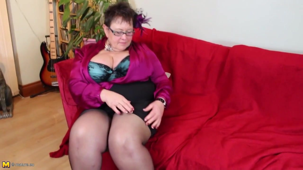 Mature chubby little mom with big saggy tits