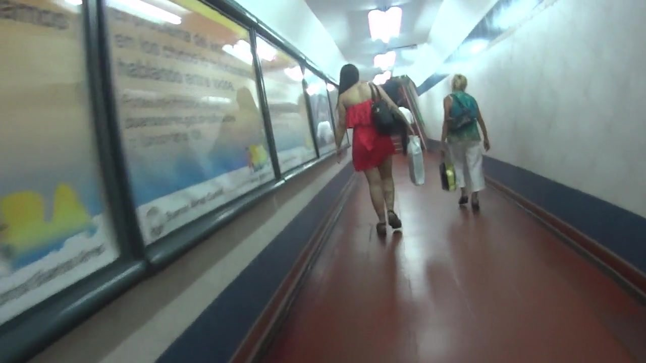 Upskirt Red Dress Beautiful Legs Subway Stairs Buenos Aires
