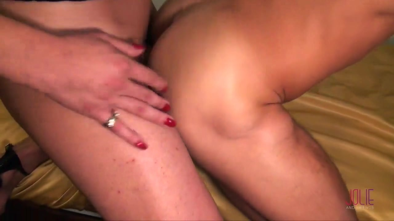 Tgirl fucking and get fucked in many position