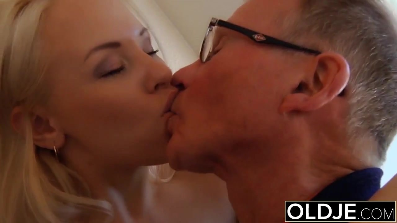 Old young - Just turned 18 yo babe fucks a wrinkled old man