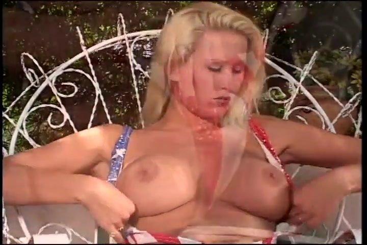 Big Titty Blonde Take Off Bikini And Masturbate Outdoor