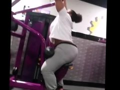 Fat booty eb sitting and lifting weights