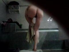dans la salle de bain 2