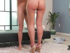 Latina With Matching Ass Pleasing Cock While She Waits