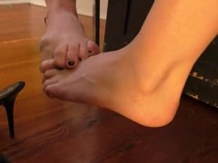 Footsie at Clips4sale.com