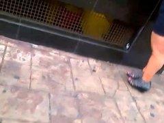 Puta culona en la calle