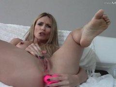 Sexy blonde webcam goddess masturbation and squirt