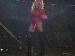 RED LATEX & BLACK HOOKER BOOTS - Big Cock Suleika