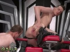 Watch and download afro sex gay porn Tatted hottie Bruce Bang catches