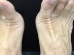 sexy bare feet and toes..