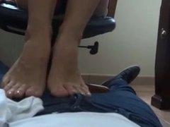 Firts foot stool latina Yummy feet