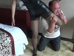 niña china ballbusting