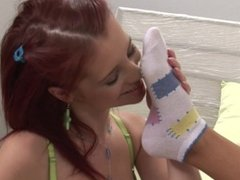 Piperfawn and Nataly sock and pussy play