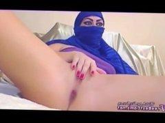 Amateur Arab In Hijab Masturbates Hard To Orgasm Squirt