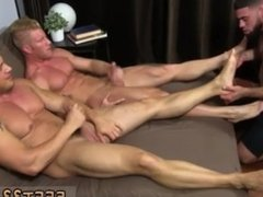 Bubble butt twink sample gay porn Joey attempts his arm at hypnotism and