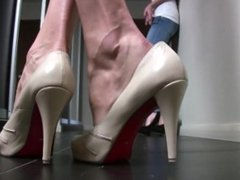 Tall and Short Girl show off their Sexy Feet