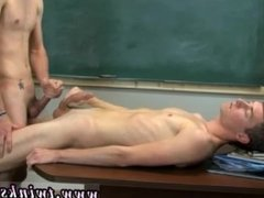 gay sex tgp xxx The 2 cool twinks are in the classroom and they're