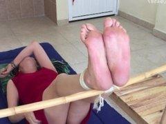 sexy madura penny tortura en los pies bastinado