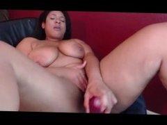 Sexy thick ebony mature twerk and masturbate on Webcam