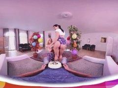 [HOLIVR 360 VR Porn] Awesome Birthday Threesome