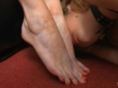 Lesbian Shoe Worship and Barefoot sniffing