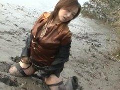Mud Suit - Kyoko Scene05