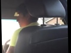 Taxi Driver Lends a Helping Hand
