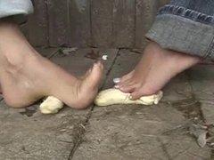 banana foot crush