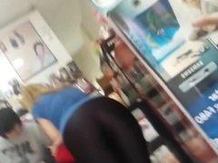Blonde Teen Pawg in Black Lycra Leggings