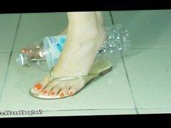 Taiwan Feetgoddess crushing