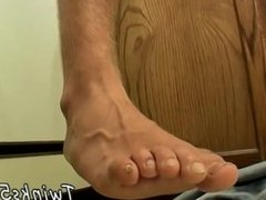 Long gay porn feet In The Kitchen With Str8 Jay