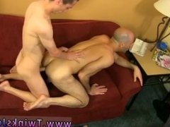 Gay young extreme porn xxx He gets Phillip to blow his bone before