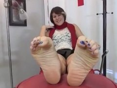 Mistress Alessa feet