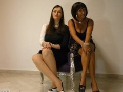 Sklaven zur Wichsmarionette gemacht von MILF Mature FemDom