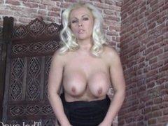 Lana Cox fur coat masturbation