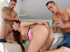 Cindy Bubble gets a load of messy creampie deep inside - All Internal