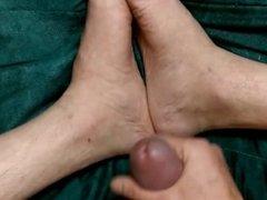 Pieds et sperme / Foot and sperm