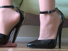 Stiletto cock crush 2