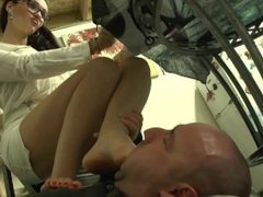 PREVIEW: Kiss Her Feet, Then Gag