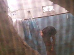 Mi amiga en la ducha