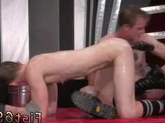 Fisting gay sexy male In an acrobatic 69, Axel Abysse inserts his palm