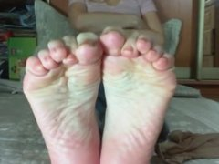 Blondie feet in pantyhose and barefeet.