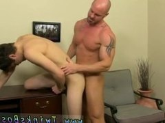 Gay sex men hard fist time hardcore tube First he gets the messenger to