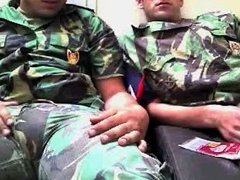 soldiers want to play on cam