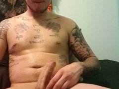 Fresh out of the shower needed to cum!