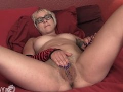 Short Haired Vi Rubs Her Hairy Twat